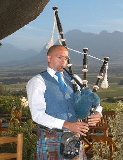 Bagpiper East Sussex: 2953