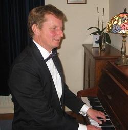 Pianist Norfolk, Ref: 3139