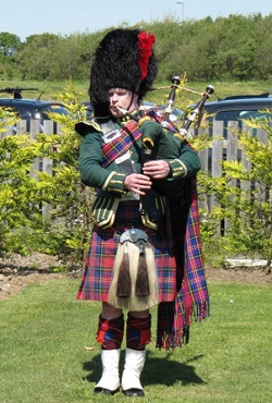 Bagpiper South Ayrshire: 3199