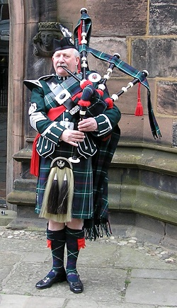 Bagpiper Cheshire: 3580