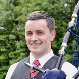 Bagpiper South Ayrshire: 4084