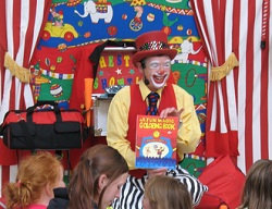 #1560 - Childrens Entertainer, Circus Performer, Clown, Jester, Magician