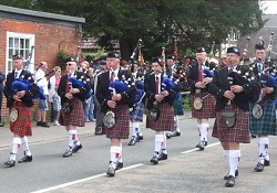 Pipe Band, Piper #2860 Image