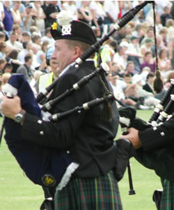 Pipe Band, Piper #378 Image
