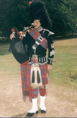 Pipe Band, Piper #2152 Image