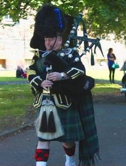 Scottish Borders Piper #1419