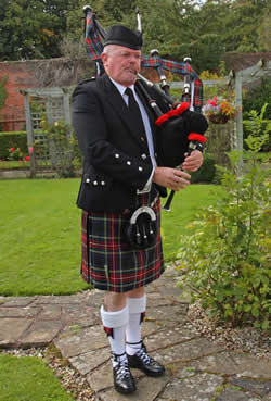 Pipe Band, Piper #1681 Image