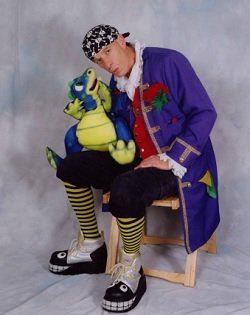 Childrens Entertainer, Clown, Magician, Speciality Act, Ventriloquist #1178 Image