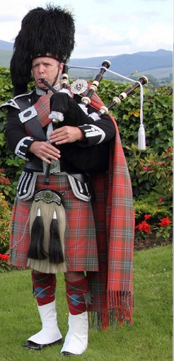Bagpiper South Ayrshire: 1631
